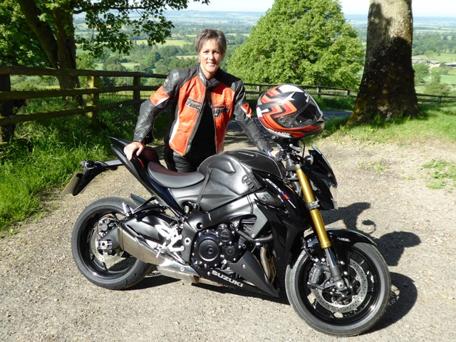Jen with her new naked GSXS1000