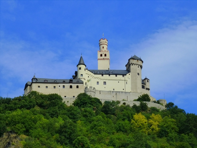 4 Marksburg Castle Braubach web