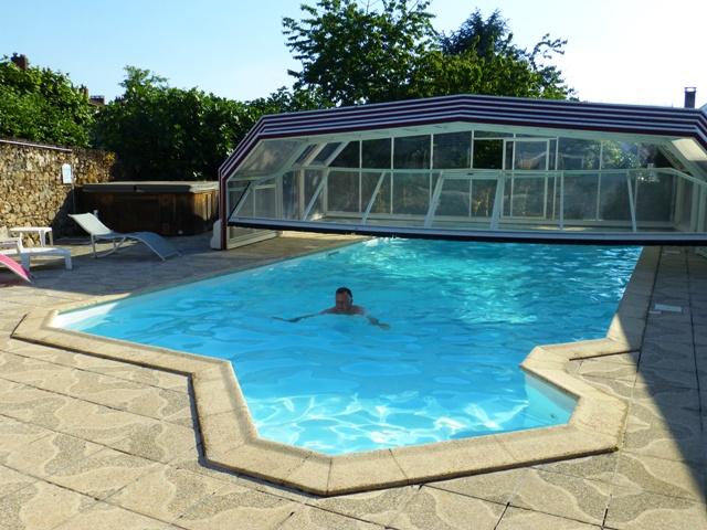 Eddie braves the hotel swimming pool