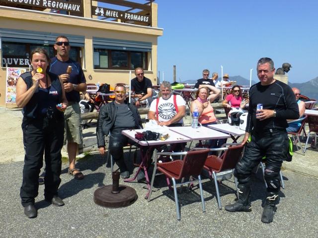 Enjoy ice-creams & cherries on the Col