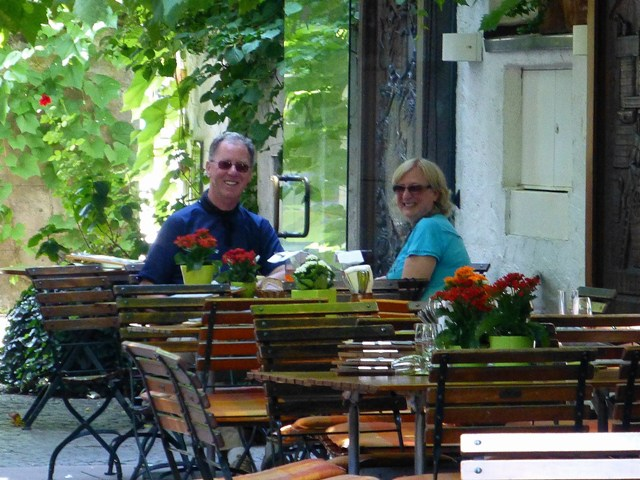Jim & Dorothy enjoy lunch in the shade