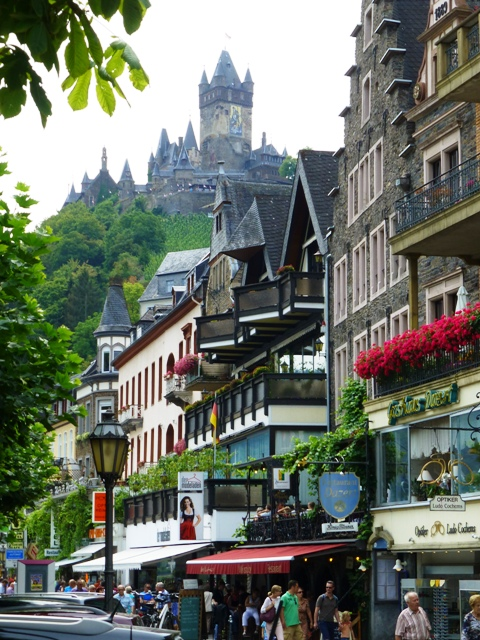 The next day we visit Cochem for lunch