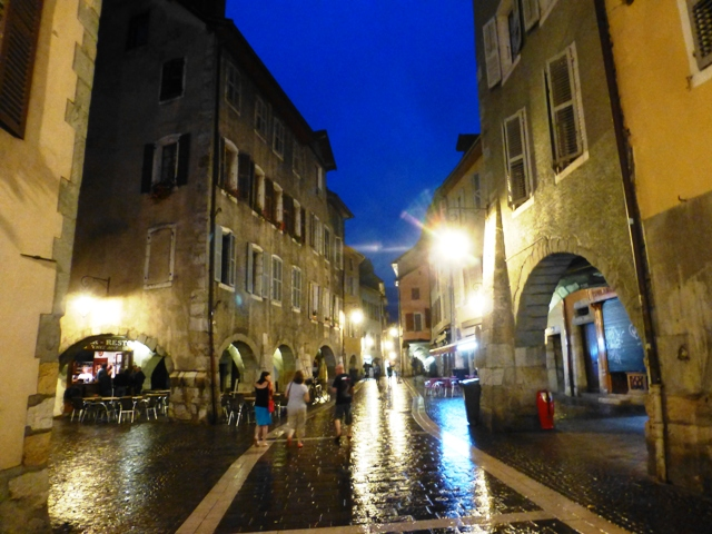 A free night to explore the old town
