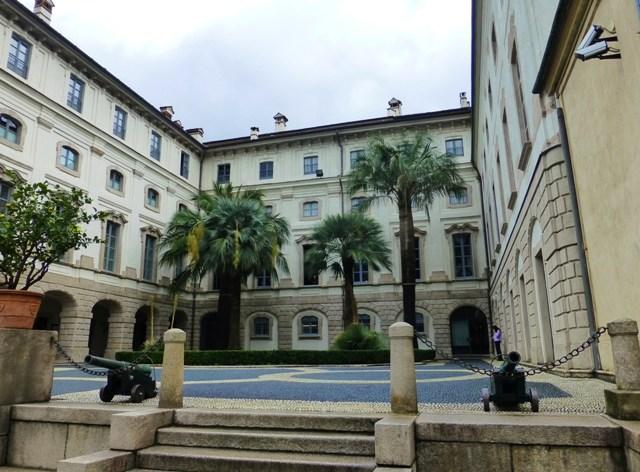 Visit the Borromees Palace