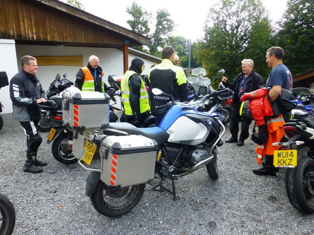 A day off - Dave W leads a ride-out