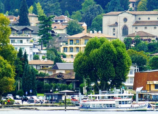 Italian Lakes & Swiss Alps Tour - 3* - 2 Nights Here