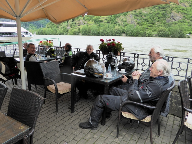 Coffee alongside the Rhine