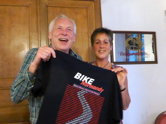 "David Biggs is presented with his ""Been there, done it 10 times!"" BN T-shirt"