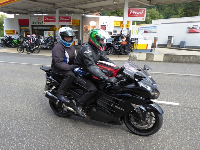 Julia & Julia on their ZZR1400