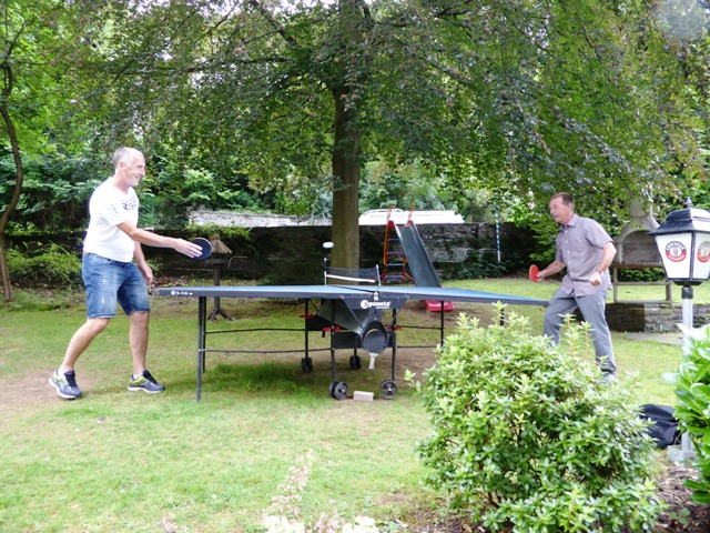Steve & Graham play table-tennis