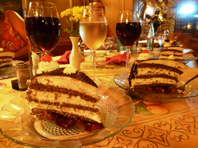 Perfect - gateau & wine !!
