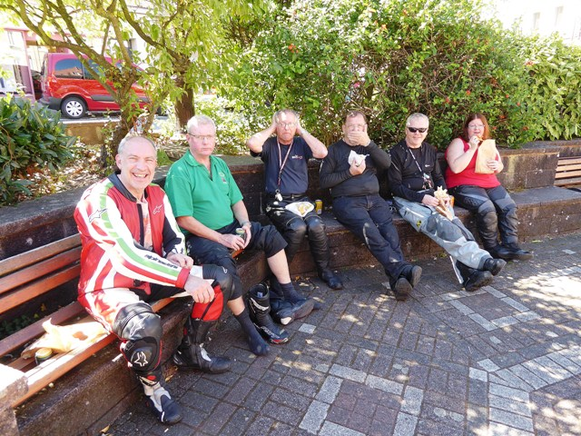 Our wise monkeys at lunch stop!