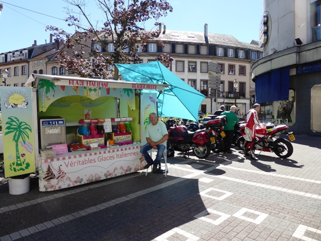 The bikes have to move for an ice-cream van!