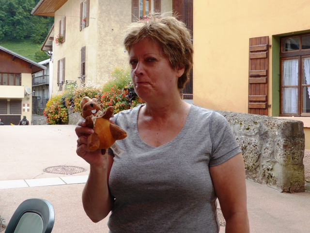 Wendy, It's a Marmot - not a Beaver !