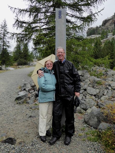 Dorothy & Jim at the 1900 marker