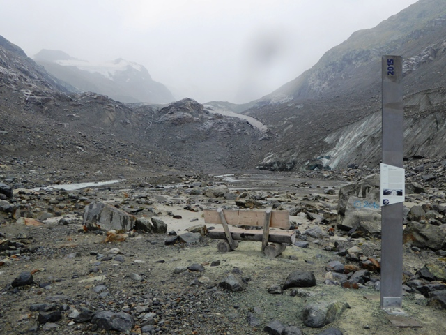 The 2015 marker - see how the Glacier has receded