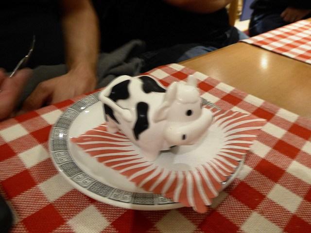 Rob orders a dessert...