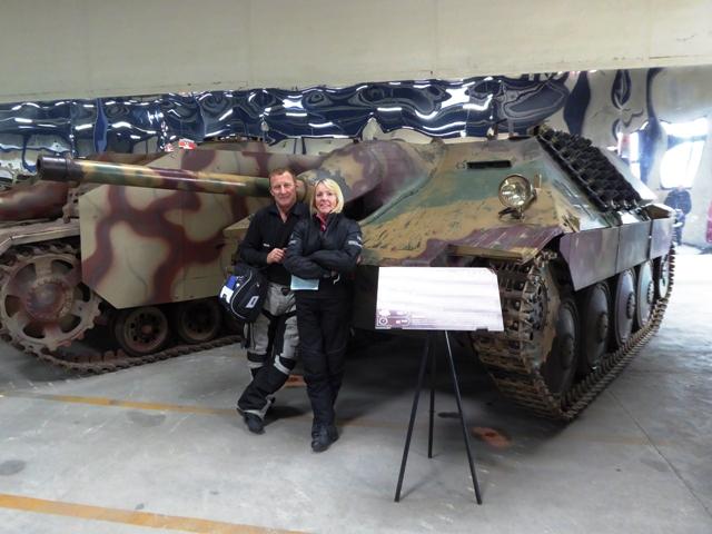 Kevin & Jane by a Jagdpanzer tank destroyer