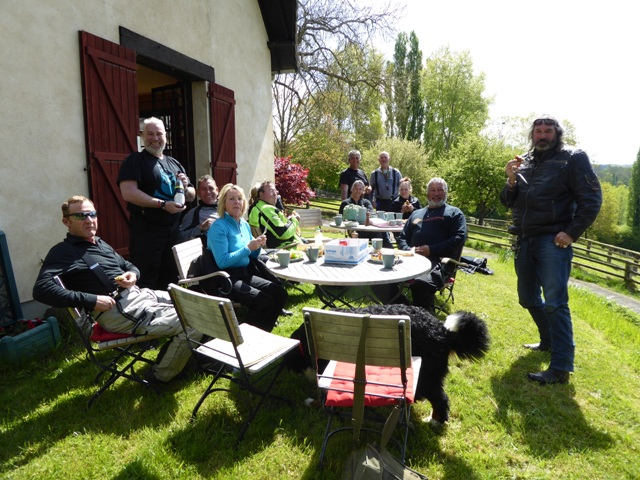 We finish with a pic-nic lunch back at BN HQ where Mike is thanked for riding as back-marker during the Tour