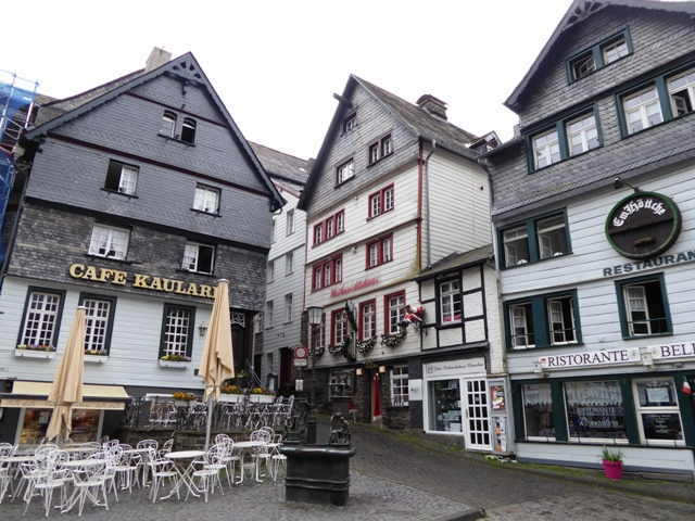 Monschau for morning coffee & cakes