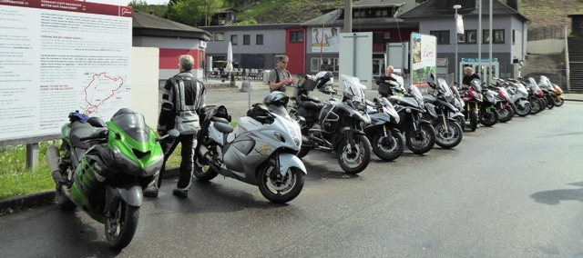 Bikes lined up at the 'Ring