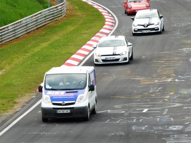 The van in the lead !!!