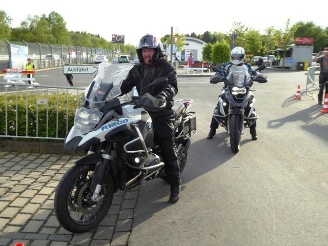Tom & Graham arrive back...