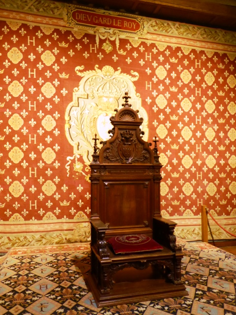 Visit the Throne room