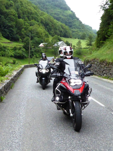 Marc & Nicky on their BMW R1200GSA