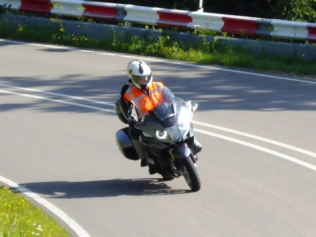 Bob & Jozina on their BMW R1200RT
