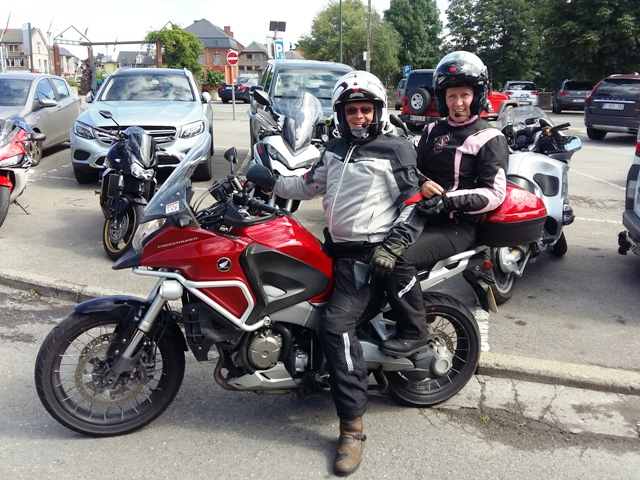 Vince & Tracey on their Crosstourer
