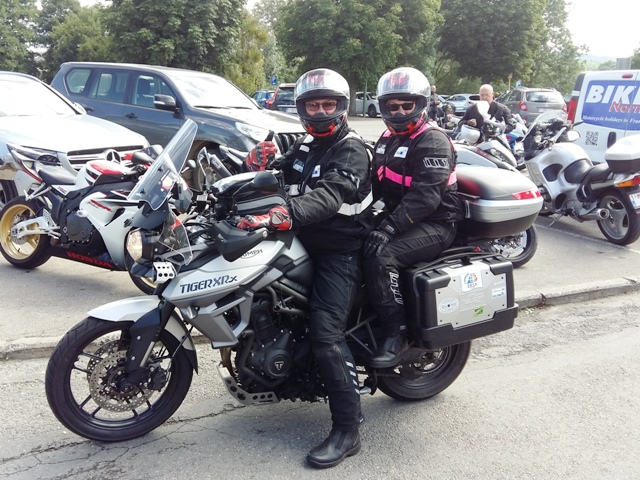 Brian & Lillian on their BMW R1200GS
