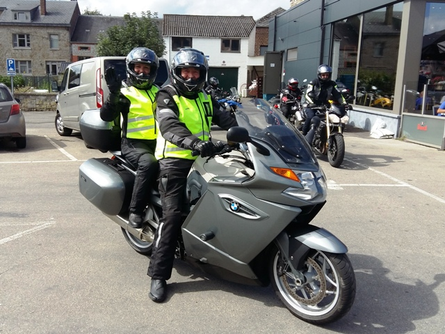 Wayne & Carole on their BMW K1300GT