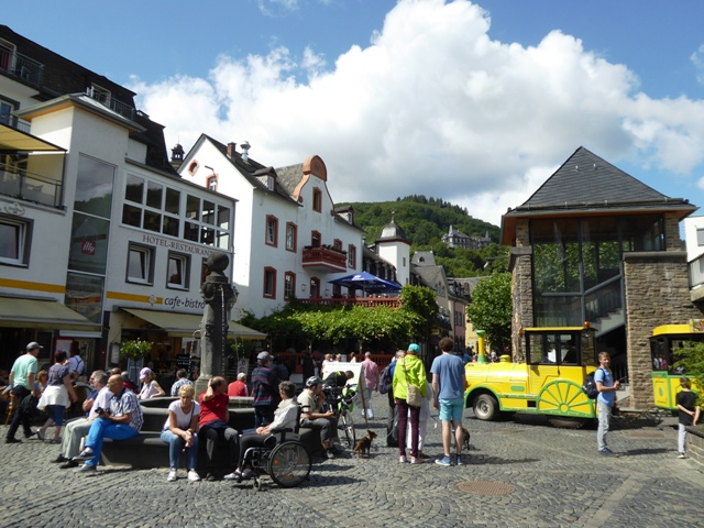 Lunch stop at Cochem