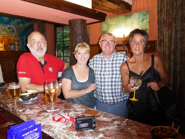 Drinks at the bar - Orry, Sue, Andy O & Jen