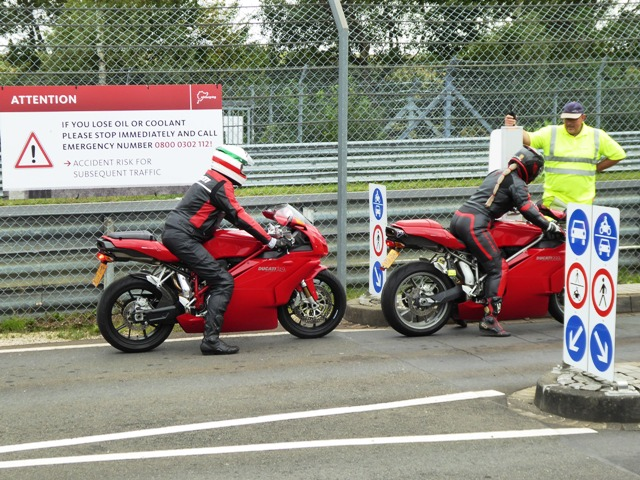 Andy O on his Ducati 749