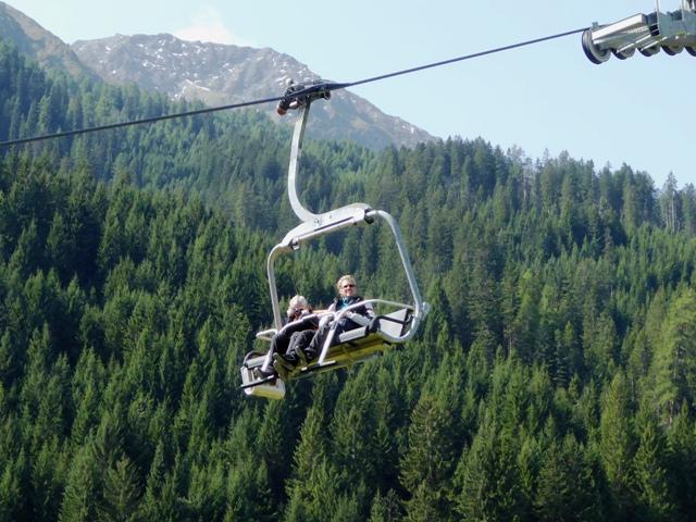 Allan & Jane descend in the ski lift