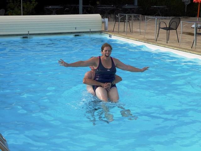 Gordon & Sue in the hotel pool
