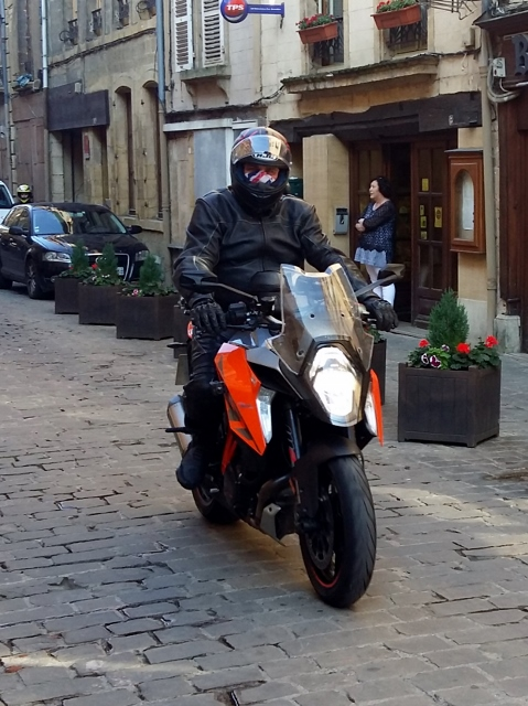 Paul (but where's Tana?) KTM 1290 SD GT