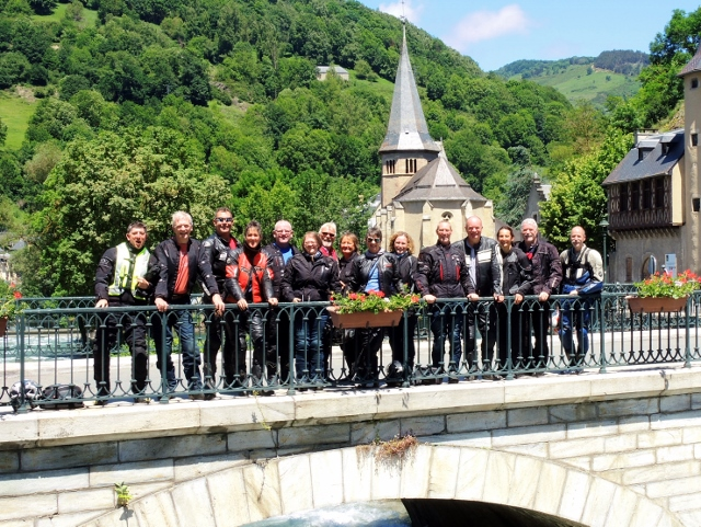 Everyone on the ride-out (thanks to Ian for the photo)