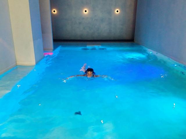 Jen goes for a swim...