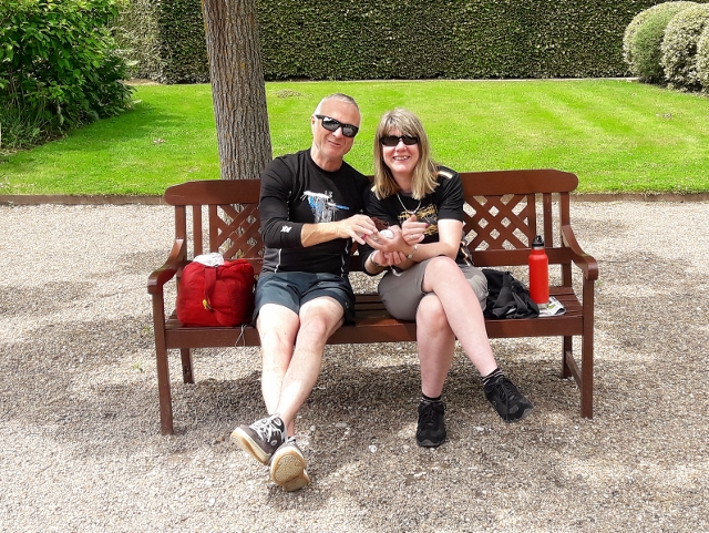 Adrian & Clare have a pic-nic