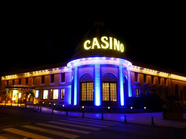 John & Jen, Allan & Jane hit the Casino after dinner