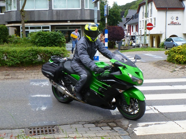 Keith on his Kawasaki ZZR 1400