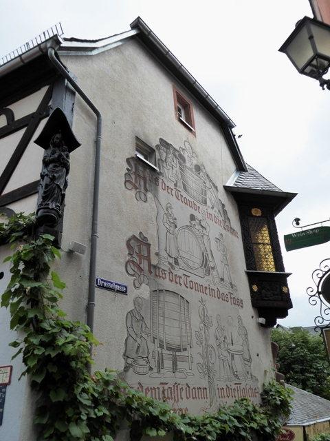 See the fab architecture & engravings throughout the town