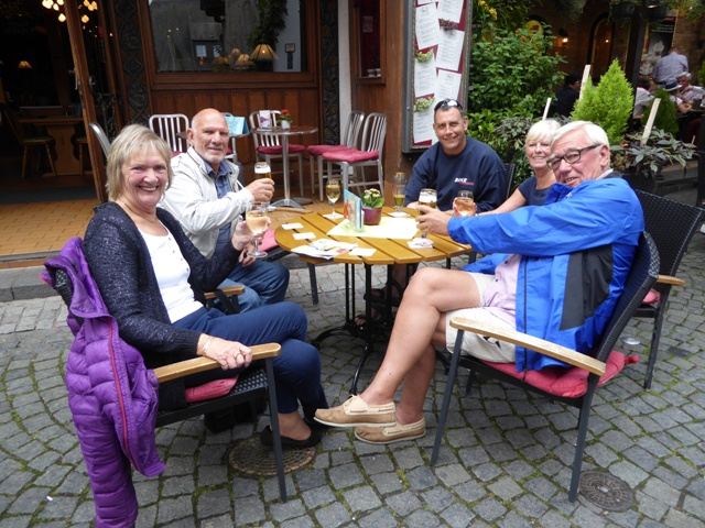 Maggie & John, Carol & Barry join us for drinks