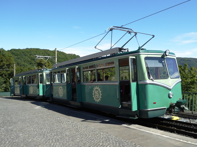 We take the rack-rail to the top of the Drachenfells