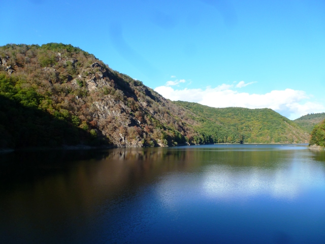 The stunning view as we cross the Dam