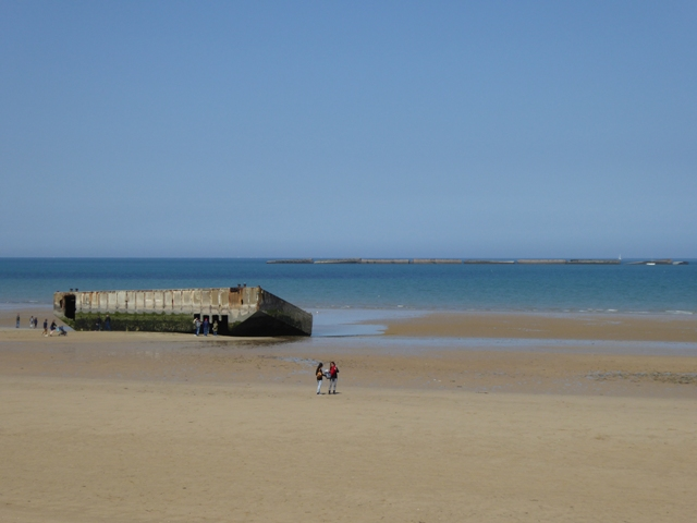 Lunch is at Arromanches
