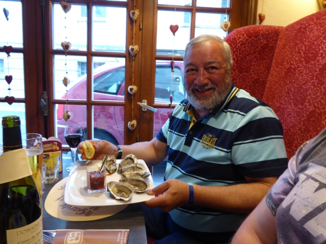 Leroy chooses oysters